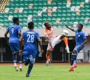 Ojo Dare in Action Against Enyimba FC